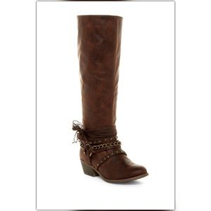 NIB Not Rated Boots